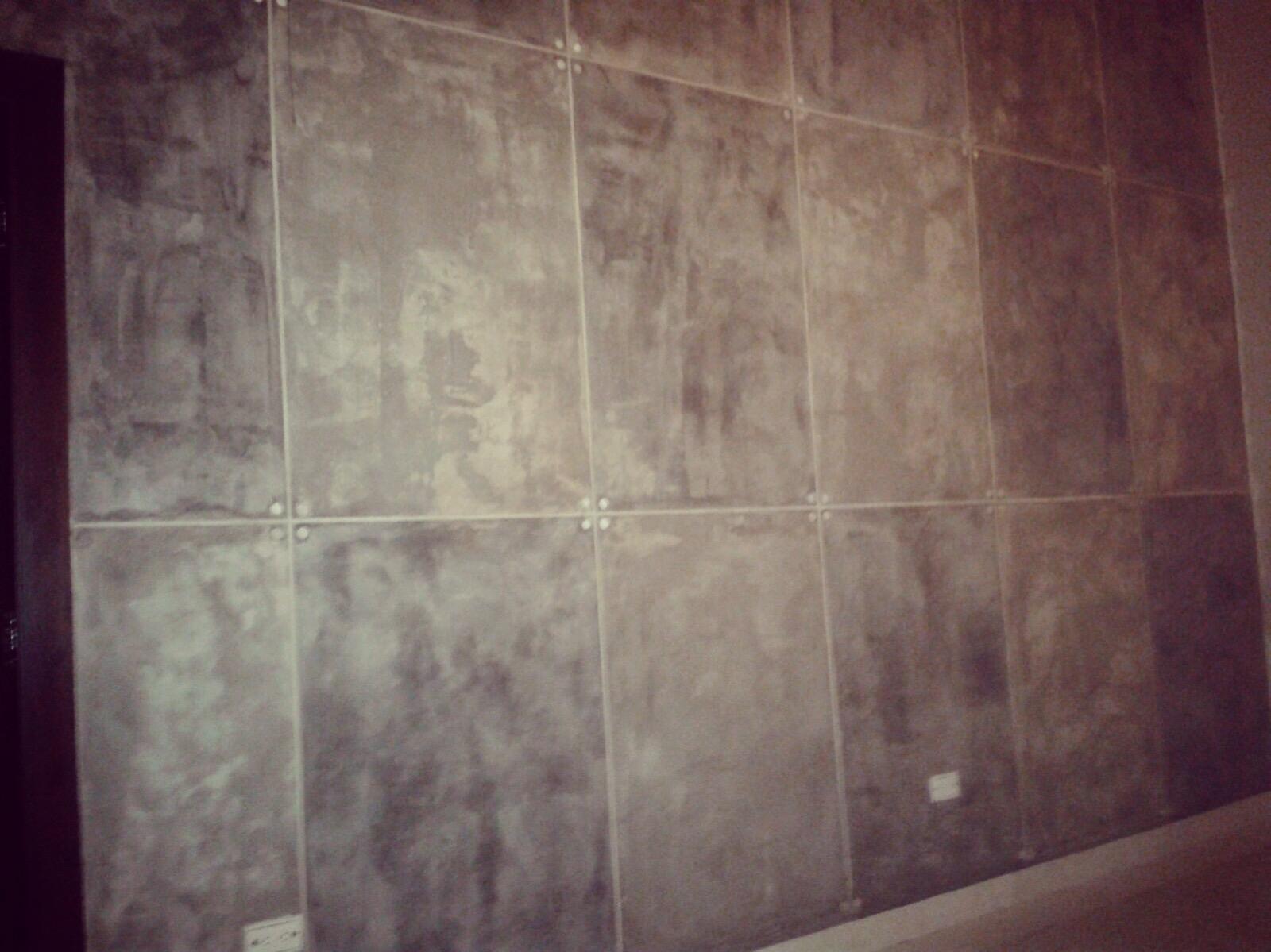 Paredes de cemento best paredes y plato de ducha recubiertos con cemento pulido en dos - Paredes de cemento ...